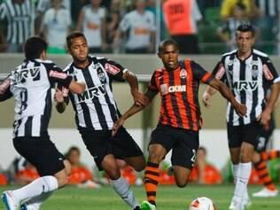 Jogadores do Atlético não deram sossego para o time do Shakhtar