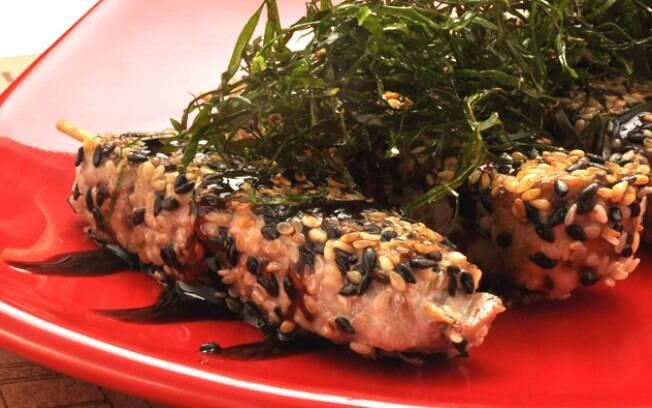 Para os amantes de peixe um delicioso espetinho de atum