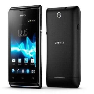 Xperia E Dual, primeiro smartphone da Sony com suporte a dois chips