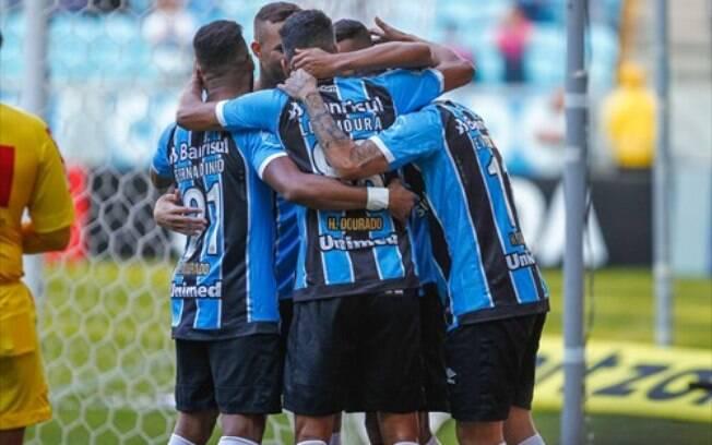 Grêmio comemora gol para cima do Atlético-MG na 19ª rodad a do Brasileirão 2017
