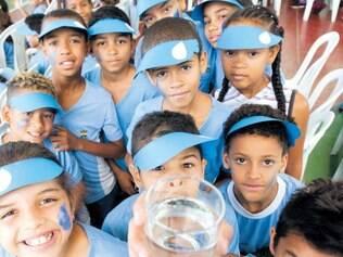 Engajamento. Alunos da Escola Municipal Herbert de Souza já participam de projetos para preservar ribeirão que fica ao lado do colégio
