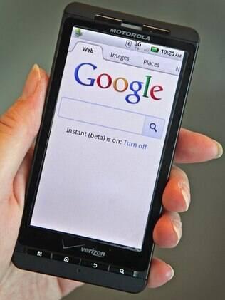 Página do Google em smartphone: lentidão prejudica navegação em celulares