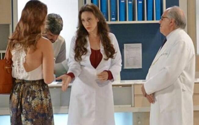 Rebeca conta a Lutero e Paloma sobre suspeitas de Aline
