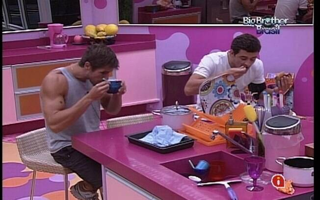 Brothers conversam sobre Kelly, Fabiana e João Carvalho