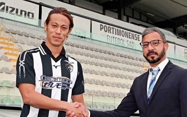 Honda se reúne com presidente do Portimonense e deixa o clube cinco dias após ser anunciado