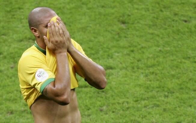 Mas a Copa de 2006 acabou na derrota para a  França, nas quartas de final. Adriano ainda exibia  boa forma naquela época