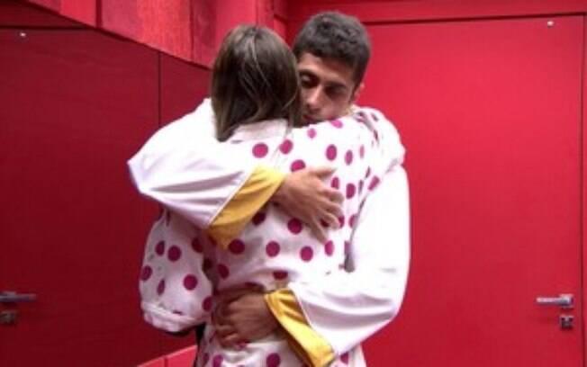 """Angela e Marcelo fazem as pazes: """"Eu não lembro o que eu falei pra você"""""""