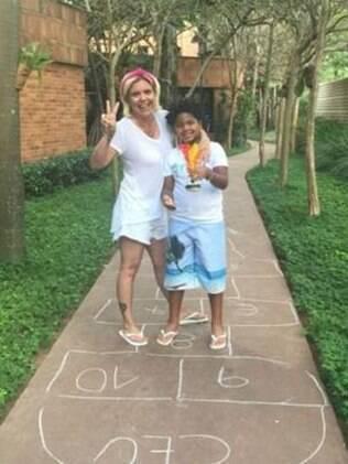 Crianças adotivas têm o direito de saber sua origem, segundo associações que esclarecem dúvidas sobre adoção em todo o Brasil