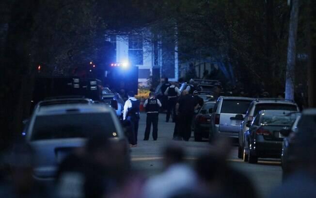 Policiais buscam suspeito por ataque a Maratona de Boston em  Watertown, Massachusetts