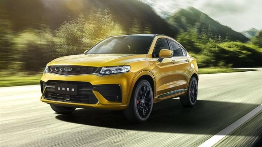 Geely Tugella é o SUV médio com visual de cupê da fabricante chinesa; disputa com o Renault Arkana