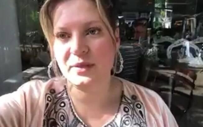 A deputada federal Joice Hasselmann (PSL) diz em vídeo que teve o número do celular clonado.