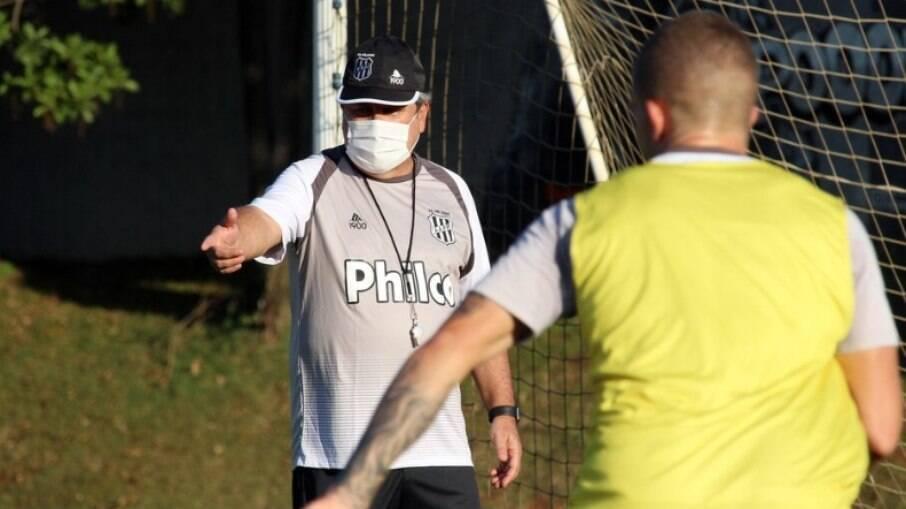 Ponte Preta busca da primeira vitória na Série B.
