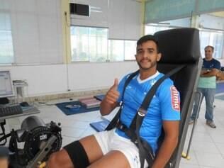 Henrique passou por exames antes de assinar com o Cruzeiro