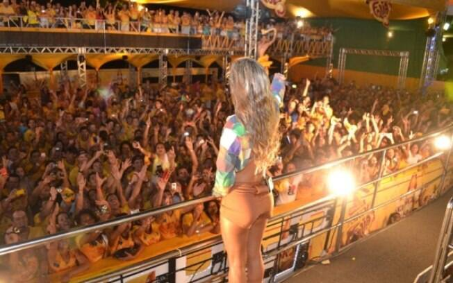 A cantora levantou o público pernambucano