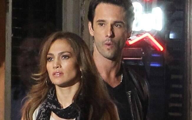 Jennifer Lopez e Rodrigo Santoro filmam cena do longa
