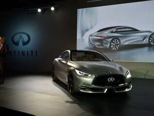 Infiniti Q60 concept no Salão de Detroit 2015