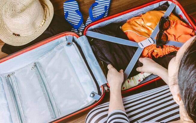 Na hora de organizar a bagagem de mão, é importante saber quais itens são essenciais e ajudam a evitar imprevistos