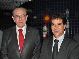 Posse. Novo presidente do TCE, Sebastião Helvécio, ao lado do prefeito de Contagem, Carlin Moura