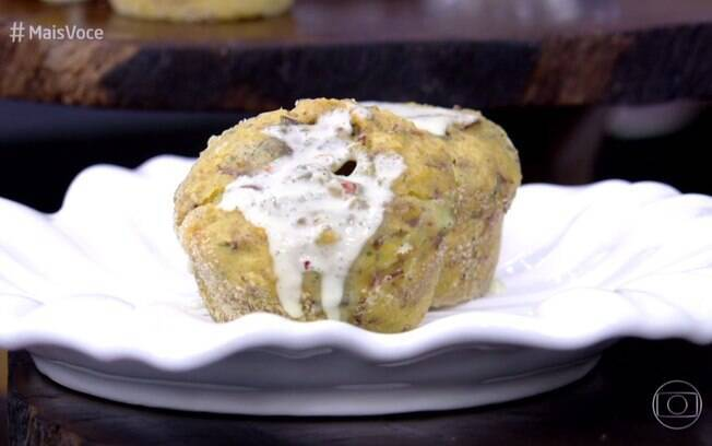 Ana Maria Braga ensinou a preparar receita de Petit Gâteu de Carne-Seca e Requeijão