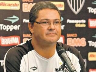 Treinador Rogério Micale deixa a equipe de juniores do Atlético e será substituído pelo ex-jogador Mauro