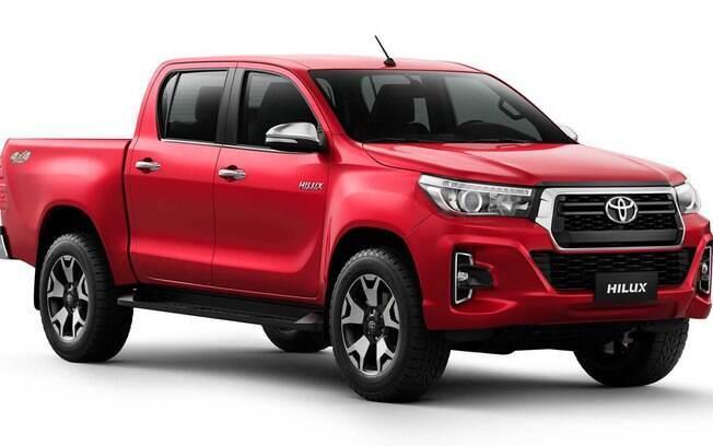 Toyota Hilux 2020  fica mais segura e a central multimídia ficou melhor com tela de 8 polegadas e GPS aprimorado