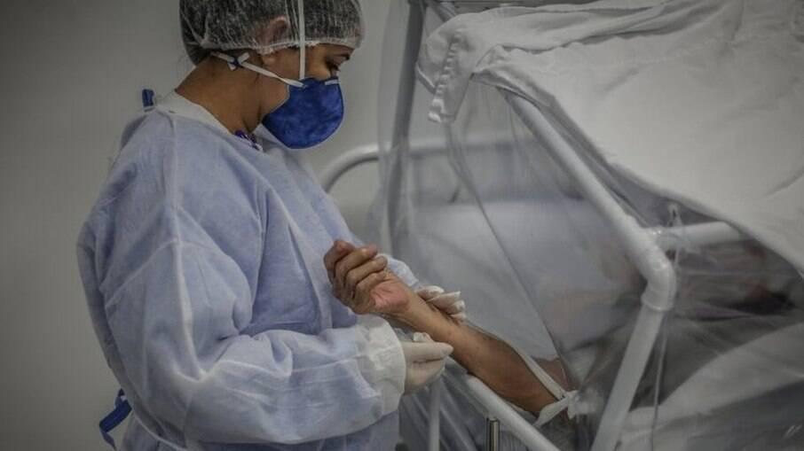 Unidades de saúde têm falta de remédios para intubação em SP