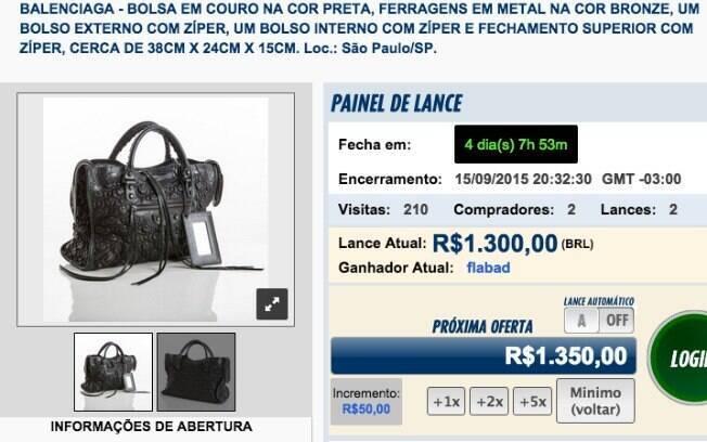 71f82207b07 Bolsa Balenciaga%2C em couro%2C já tem oferta de R%24 1