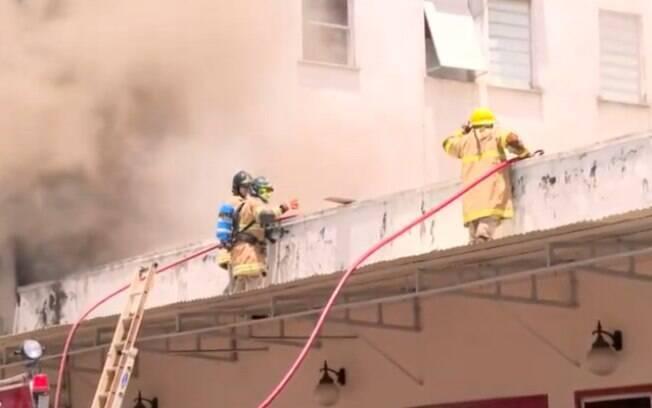Incêndio atingiu o Hospital Federal de Bonsucesso na manhã desta terça-feira (27).