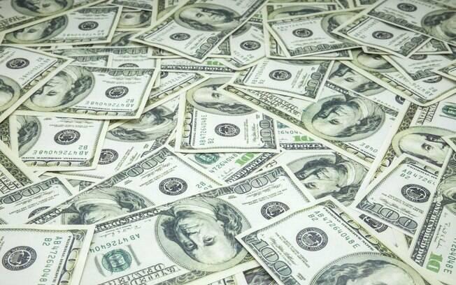 Novas medidas de confinamento em alguns países europeus, depois do surgimento de uma segunda onda de casos de Covid-19, fez o dólar subir
