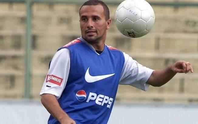 Lateral direito Rogério fez sucesso no  Palmeiras e depois foi para o Corinthians