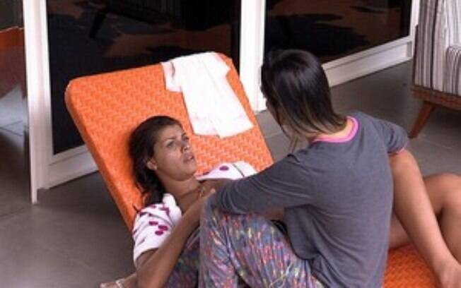 """BBB14: """"Tem coisas que eu não acho legal"""", diz Franciele para Letícia"""
