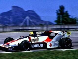 O modelo e foi utilizado pela primeira vez no GP Brasil, no autódromo de Jacarepaguá