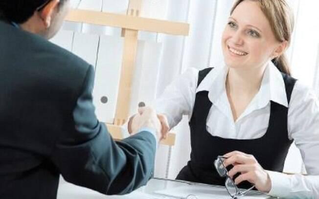 Com a queda no desemprego, profissionais se preparam para causa uma boa impressão no novo emprego