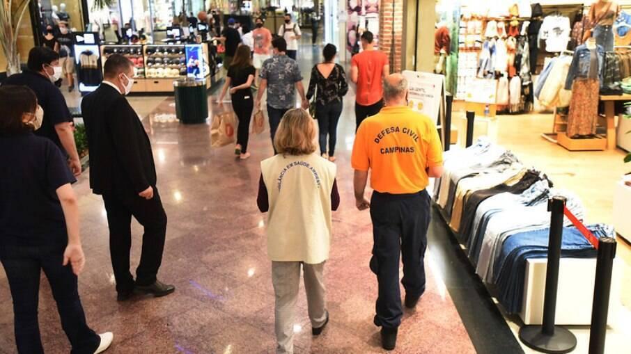 Shoppings adotam novo horário de funcionamento a partir desta segunda.