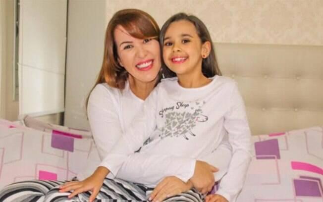 A influencer mirim Sarah Marques quer seguir os passos da mãe, a apresentadora Michelle Marques