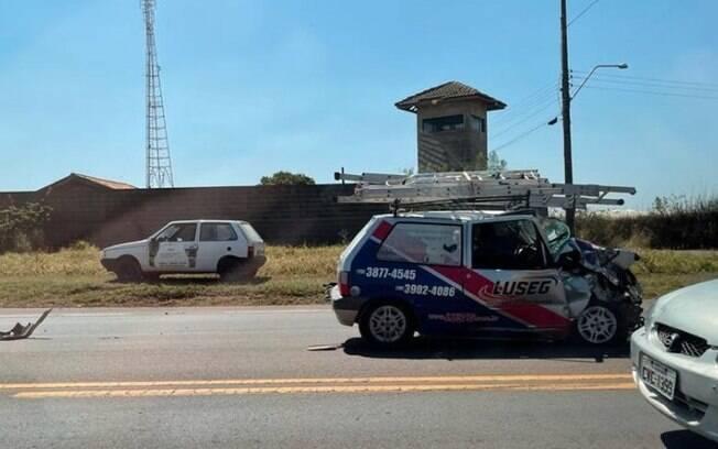 Acidente entre carro e caminhonete deixa feridos em Artur Nogueira