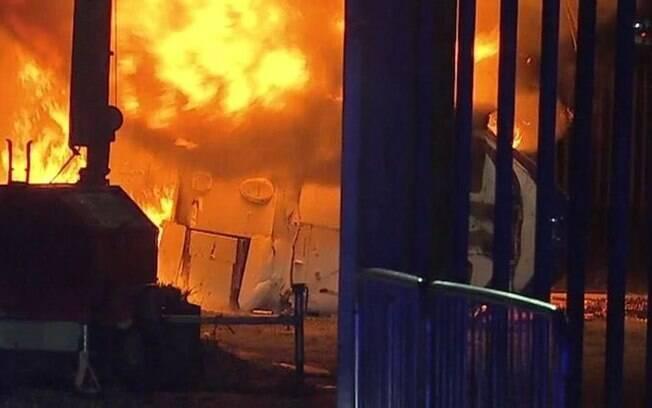 Helicóptero do dono do Leicester caiu no estacionamento do King Power Stadium
