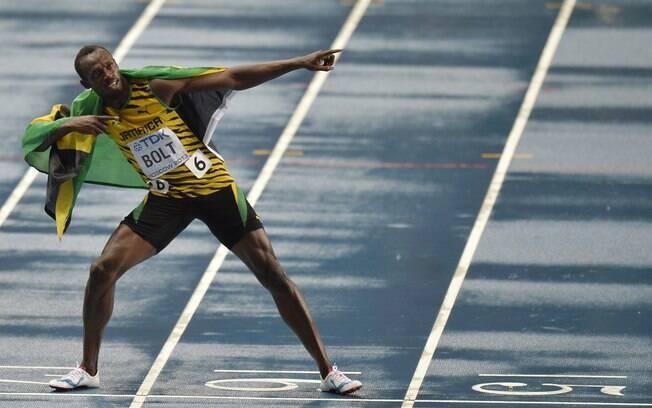 Bolt faz a sua famosa coreografia após mais  uma conquista nos 100m