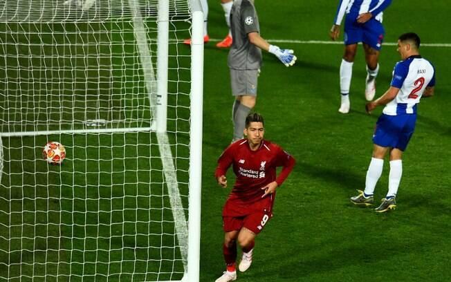 Firmino marcou o segundo gol do Liverpool, na vitória por 2 a 0 contra o Porto, pelas quartas de final da Liga dos Campeões
