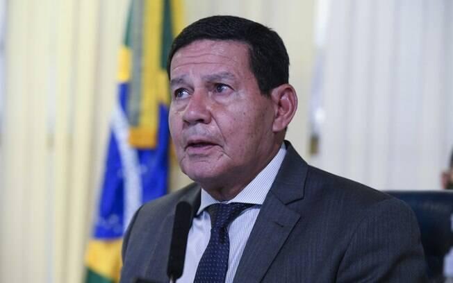 Mourão negou grandes arranhões no relacionamento com Bolsonaro, e creditou desencontros de ideias aos assessores do presidente