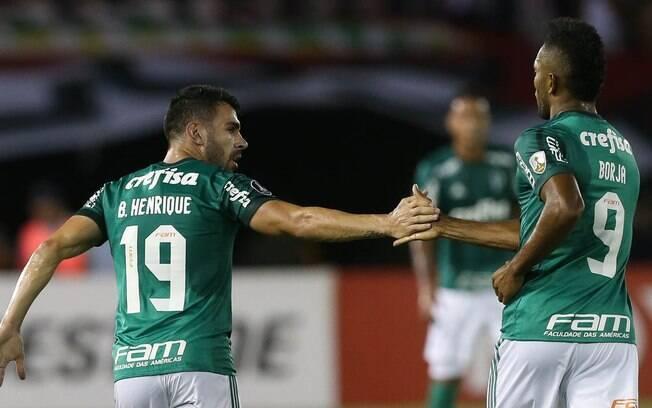 Bruno Henrique voltou a balançar as redes diante de Colo-Colo