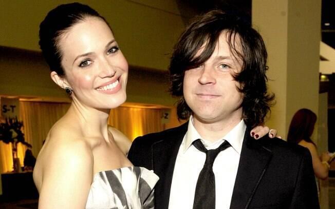 Rayn Adamas foi acusado de abuso emocional pela ex-mulher, a cantora e atriz Mandy Moore, com quem foi casado por sete anos