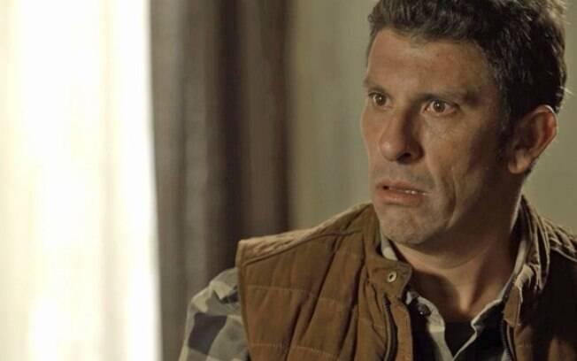 Machado será encontrado morto na delegacia, quem vai encontrar o corpo é sua esposa Rita de Cássia