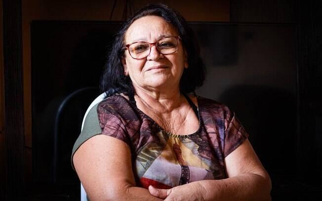 """Genilda Salústio, a """"Rosa"""", contribuiu como cozinheira na equipe de produção de Bacurau"""