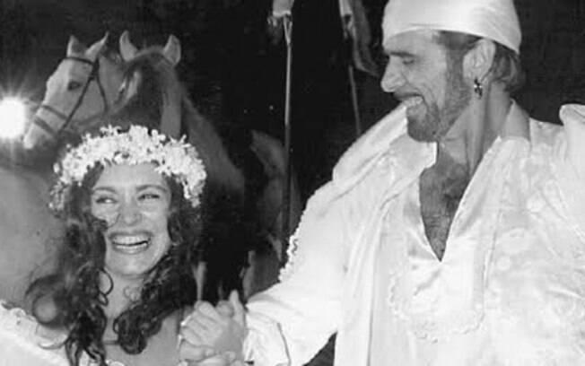 Regina com Francisco Cuoco, no casamento cigano de