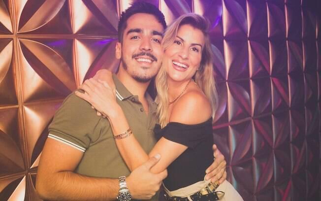 Rodrigo Rodrigues e DJ Cady