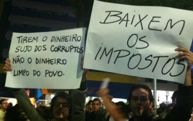 Resultado de imagem para cartazes de protesto