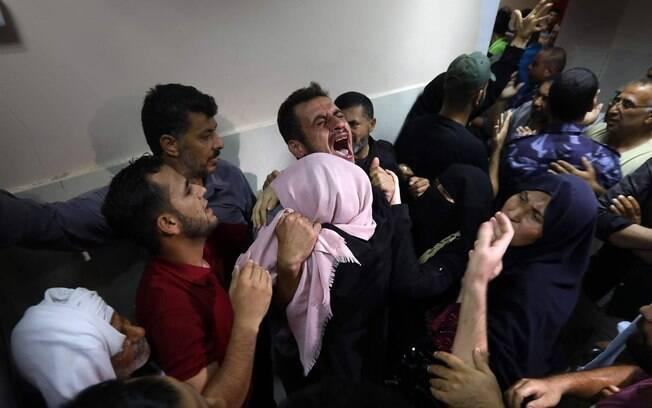 Adolescentes palestinos foram mortos pelo exército de Israel perto da Faixa de Gaza