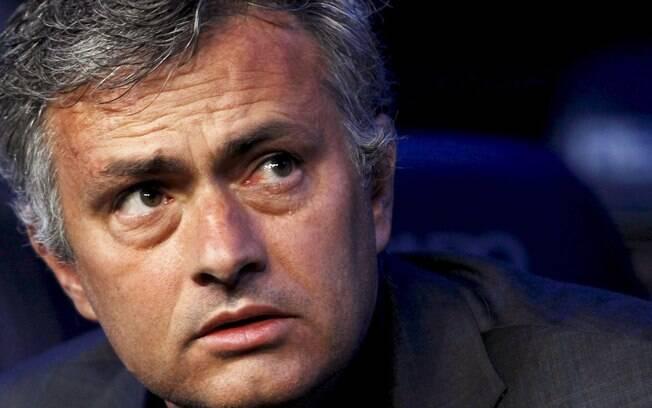 """Mourinho foi chamado de """"medroso""""  por Cruyff"""