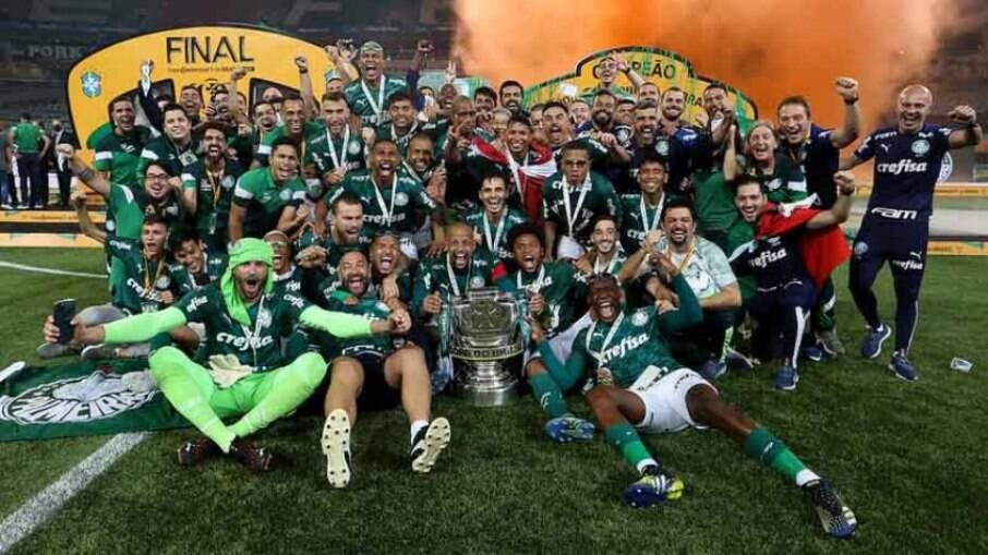 Tríplice coroa: Palmeiras volta a conquistar três títulos na temporada depois de mais de 25 anos